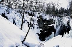 アシリベツの滝左.JPG