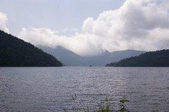 北岸からの然別湖.jpeg